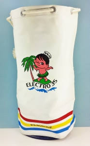 Neat beach bag with Yashica's Sailor Boy on it. From around 1966 or so.