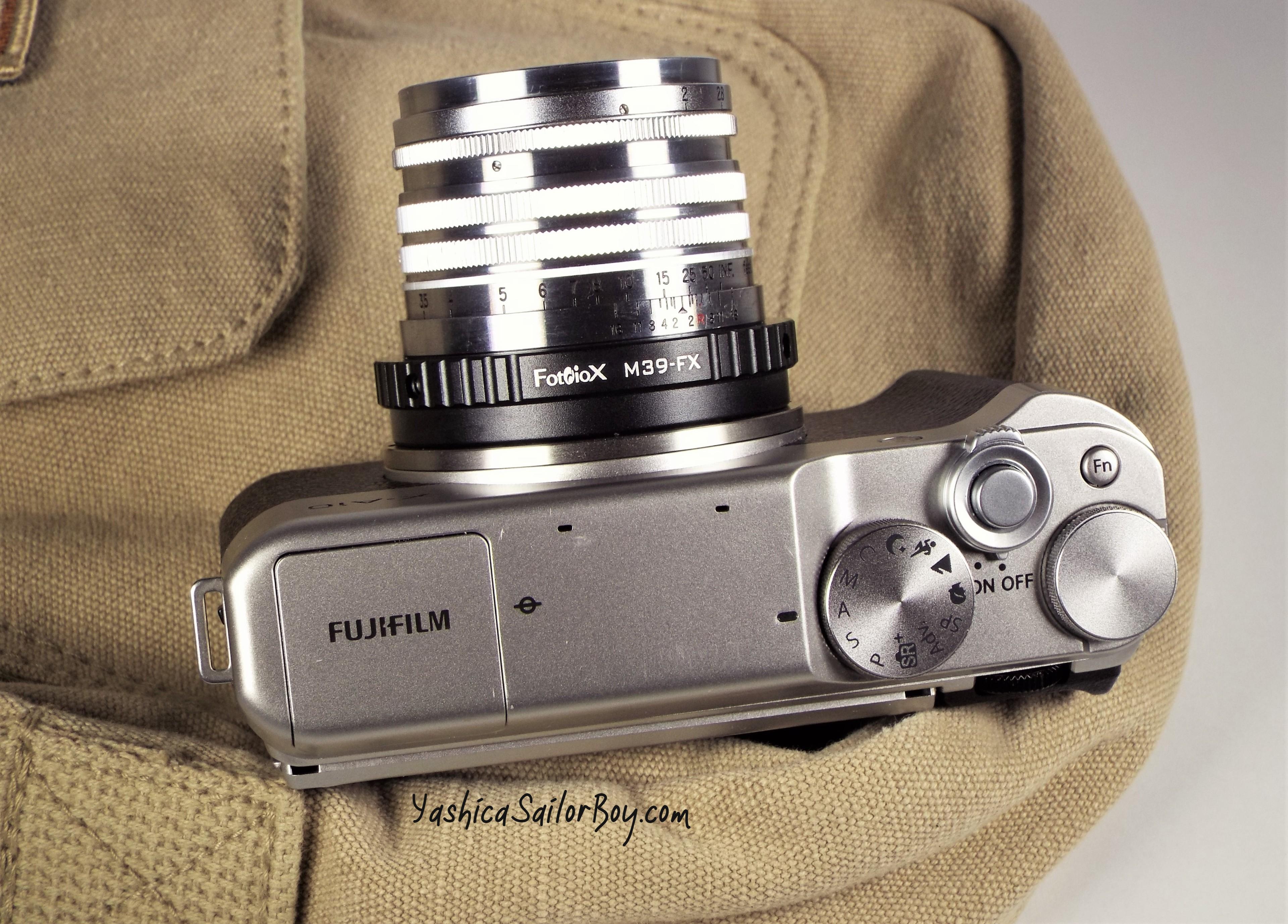 Fujifilm X-A10 w Nikkor 2