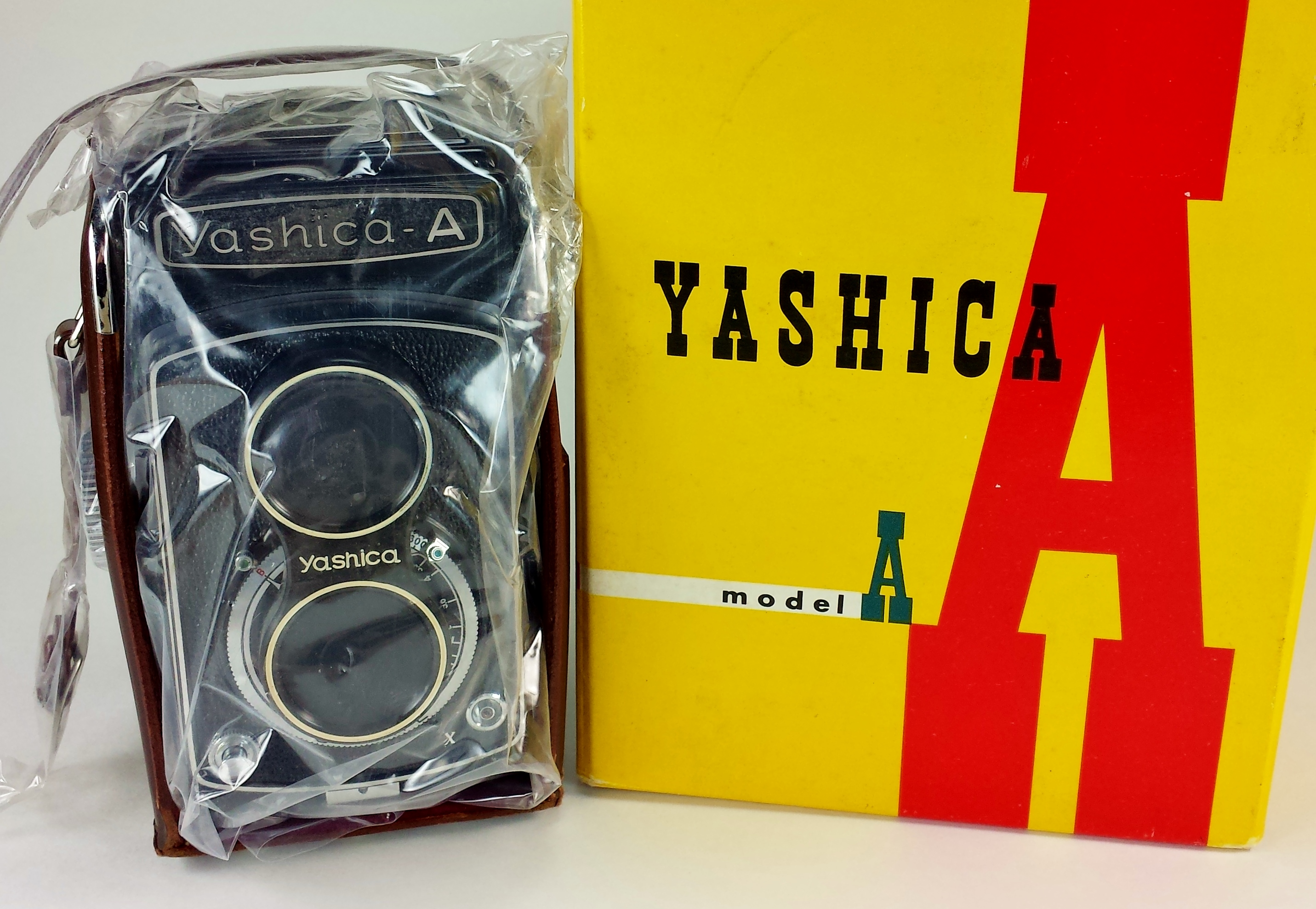 yashica a cam and box